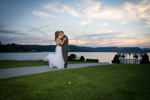 CT Wedding Photo - Candlewood Inn